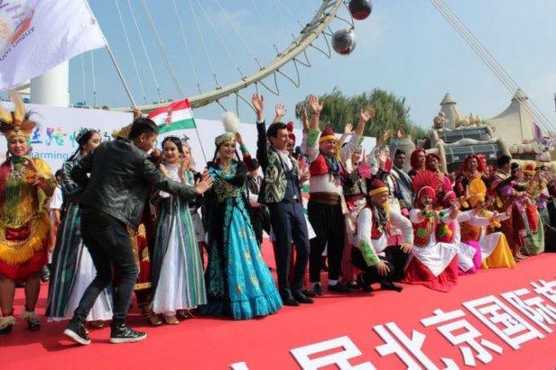 Хонанда Ботир Қодиров Пекин халқаро туризм фестивалида олий мукофотни қўлга киритди