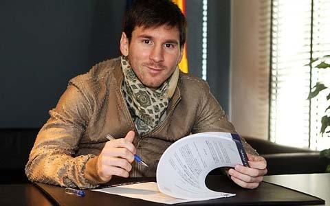 Лионел Месси «Барселона» билан янги шартномасида «Ньюэллс Олд Бойз»га кетиши мумкинлиги ҳақида банд бўлишини истамоқда