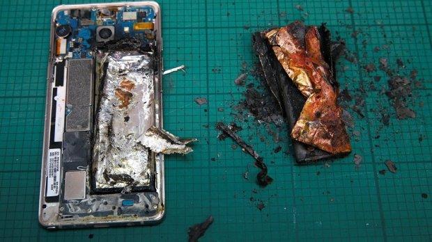 Samsung Galaxy Note 7 ишлаб чиқаришни вақтинчалик тўхтатади