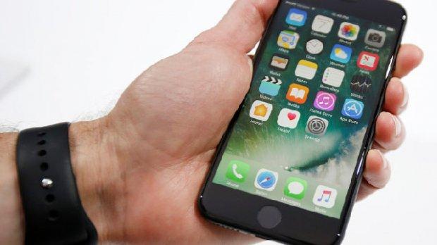 iPhone 7 ҳам ёниб кетишни бошлади