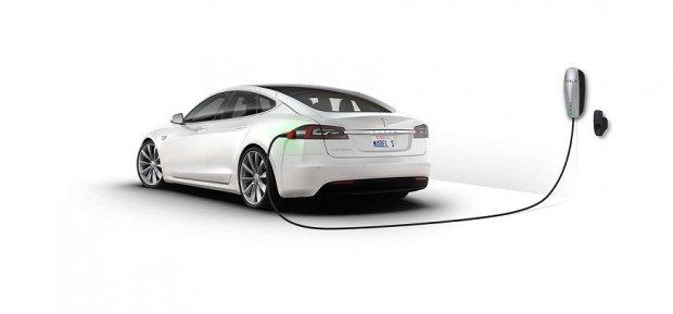 Tesla Model S АҚШда Mercedes S-Class ва BMW 7 русумларидан ҳам яхшироқ сотилмоқда