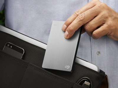 Seagate 5 ТБли илк портатив хард-тўплагични сотувга чиқаради