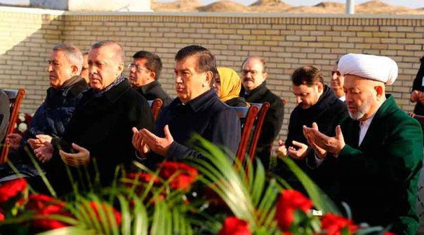 Туркия президенти И.Каримов қабрини зиёрат қилди