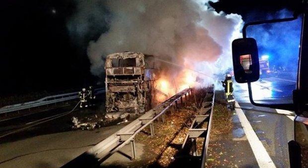 Дортмунддан қайтаётган «Бавария» мухлислари автобуси ёниб кетди