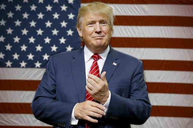 Трамп икки муддатга президент бўлиб қолмоқчи