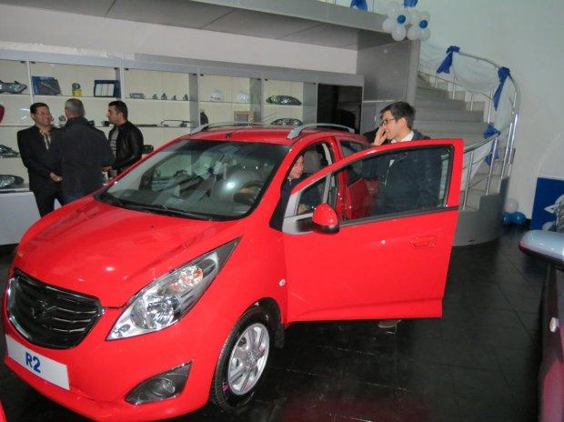 GM Uzbekistan Озарбайжонда Ravon'ни намойиш этди (фото)