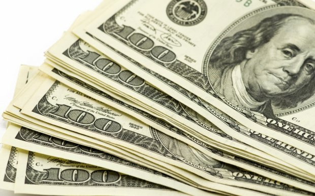 Ўзбекистонда долларнинг расмий курси яна 19 сўмга кўтарилди