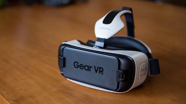 Янги Samsung Gear VR юз ва кўз ҳаракатларини аниқлаши мумкин