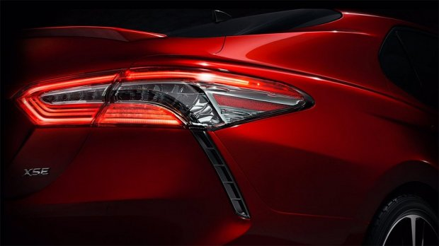 Янги Toyota Camry'нинг илк фотосурати пайдо бўлди
