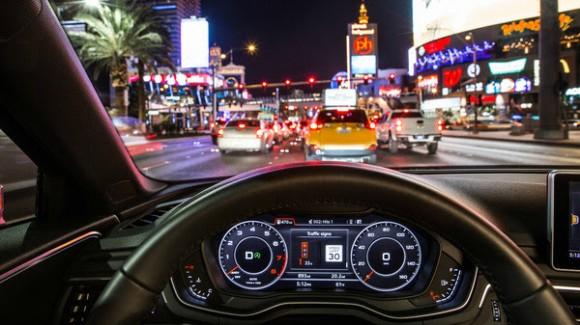 Audi автомобиллари светофор билан боғланади