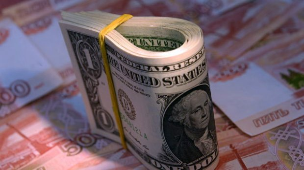 АҚШ долларининг нархи нега тушиб кетмоқда?