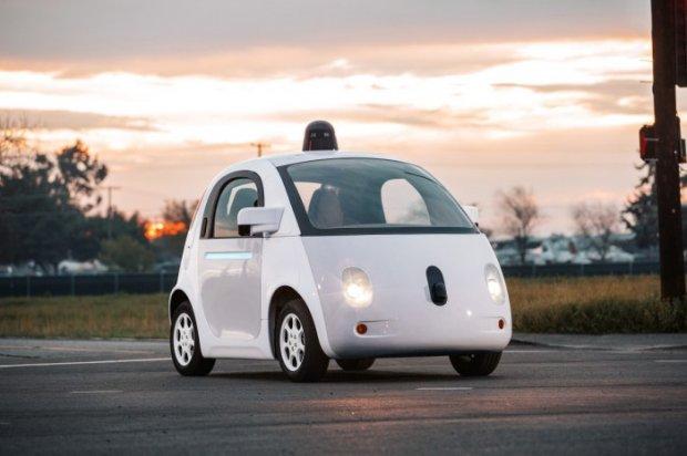Google ҳайдовчисиз автомобиль ишлаб чиқариш лойиҳасини тўхтатди