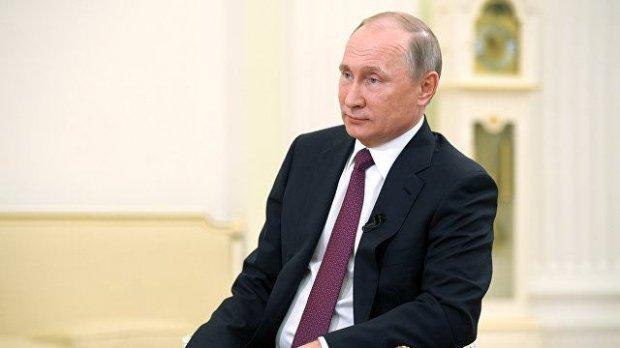 """Путин """"биринчи муҳаббати"""" ҳақида айтиб берди"""