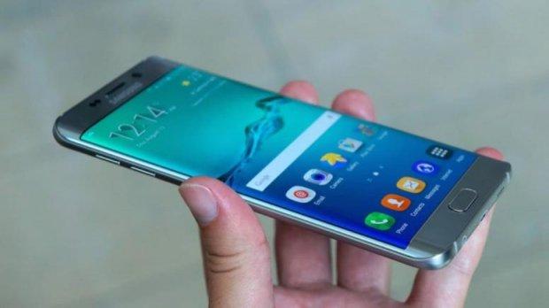 Samsung ахийри ўз смартфонлари портлаб кетиши сабабини топди