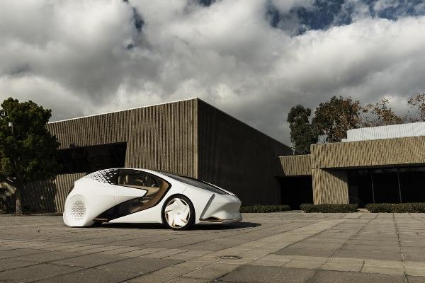 Toyota сунъий ақлга эга концепт-кар ишлаб чиқди