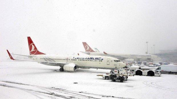 Истанбул аэропортида 600дан ортиқ рейс бекор қилинди