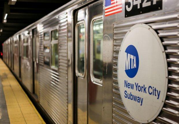 Нью-Йорк метросининг барча бекатлари мобил алоқа сигнали ва бепул Wi-Fi билан таъминланди