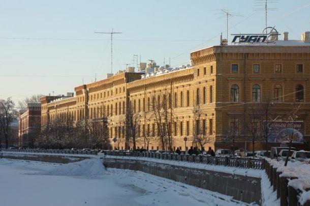 Санкт-Петербургдаги университет биносидан ўқитувчининг жонсиз танаси топилди