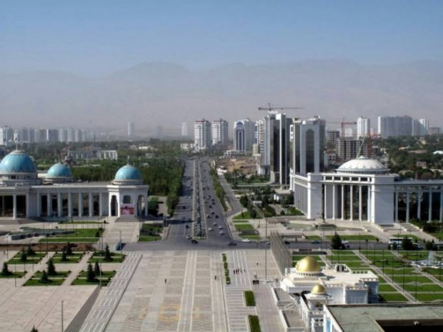 Shavkat Mirziyoyev Turkmanistonga jo'nab ketdi