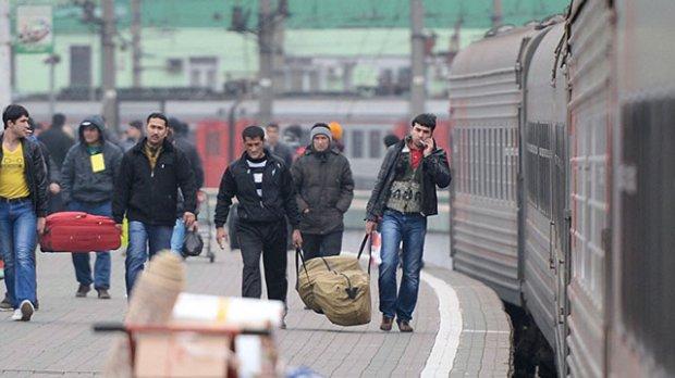 Migrasiya agentligi: O'zbekiston va Rossiya o'rtasida mehnat migrasiyasiga oid bitim imzolandi