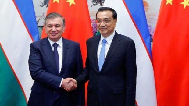 Shavkat Mirziyoyev Xitoy Bosh vaziri bilan uchrashdi (foto)