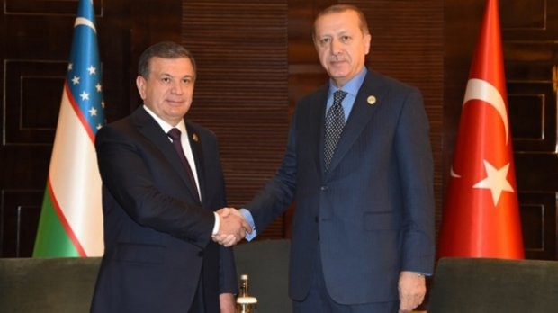 Video: Shavkat Mirziyoyev Turkiya Prezidenti bilan uchrashdi