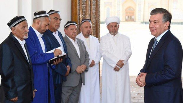 Shavkat Mirziyoyev Qurbon hayiti kuni Hazrati Imomga keldi