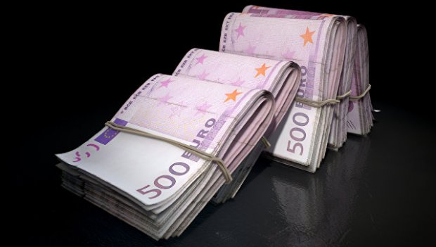 Уйида сохта 41 миллион евро сақлаган италиялик қўлга олинди