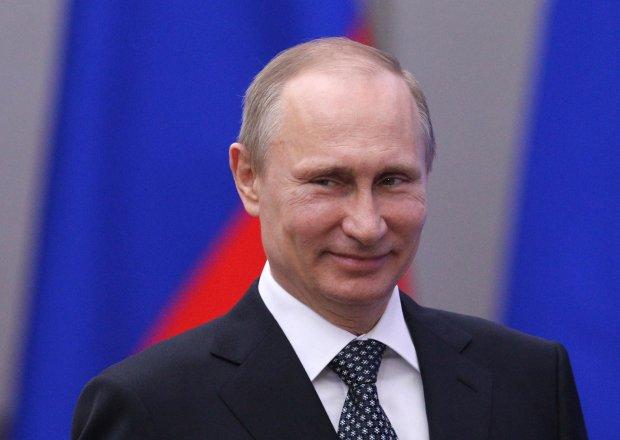 Путин Россияни ривожлантириш масалаларида қизлари билан маслаҳатлашишини айтди