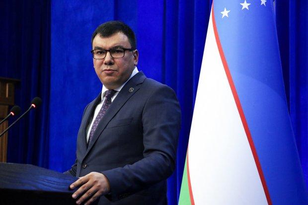 Азиз Абдуҳакимов: Ўзбекистонга аслида 2,5 миллион эмас, 200 минг сайёҳ келган