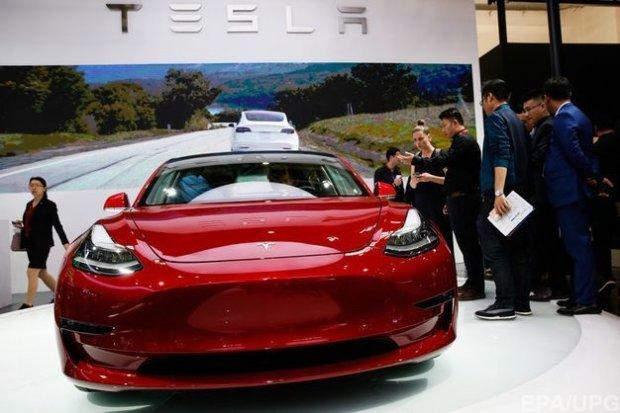 Янги «Tesla» ҳақида маълумот: 3 сонияда 100 км/соат тезлик