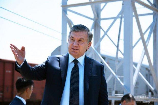 Шавкат Мирзиёев Олмазор туманига ташриф буюрди (фото)