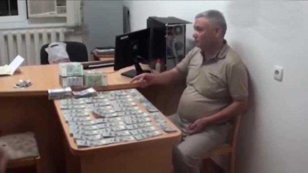 Наманган вилояти собиқ прокурори 50 минг доллар пора билан қўлга олинди