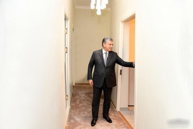 Мирзиёев Боғистон кўчасидаги янги уйларни бориб кўрди (фото)