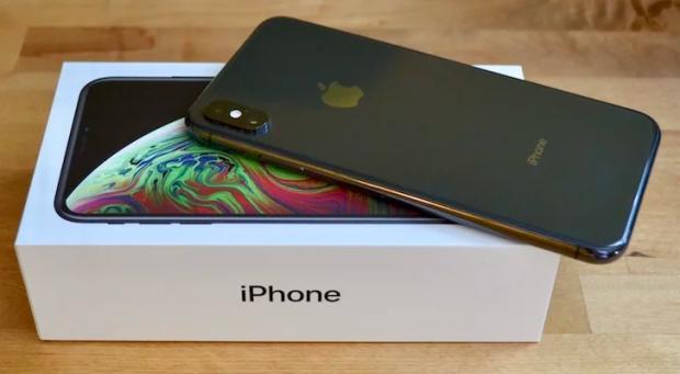 Тошкентда 3 та iPhone учун тўланган 3 минг доллар қалбаки бўлиб чиқди
