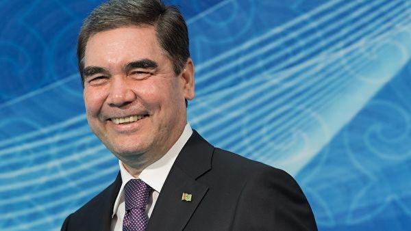 Turkmaniston prezidenti velosipedda o'tirib to'pponchadan o'q otish mahoratini namoyish qildi