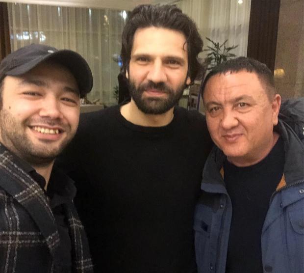 Alisher Uzoqov turk aktyori Burak O'zchivitning mahorati haqida: «Burak aktyor emas!» (video)