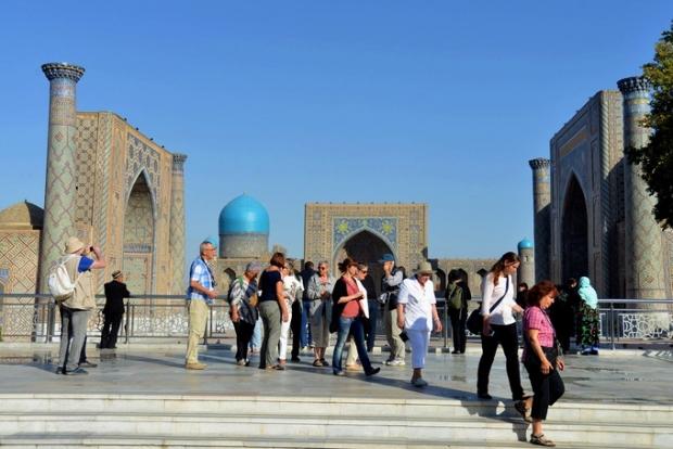 Shavkat Mirziyoyev turizm to'g'risidagi qonunni imzoladi