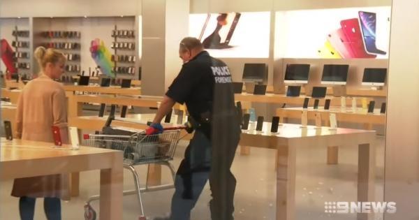 Apple ўғирланган iPhone'ларни яроқсиз ҳолга келтирди (видео)