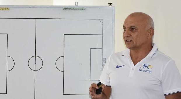 """Islom Ahmedov: """"Maydonda futbolchilar bor-u, ammo jamoa yo'q"""""""