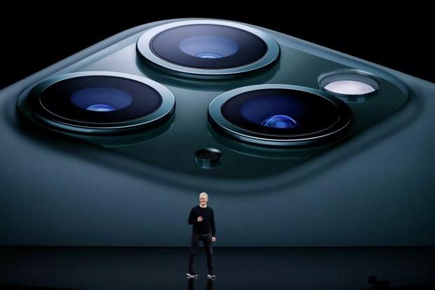 Apple kapitallashuvi yangi iPhone'lar taqdimotidan keyin 1 trln dollardan oshdi