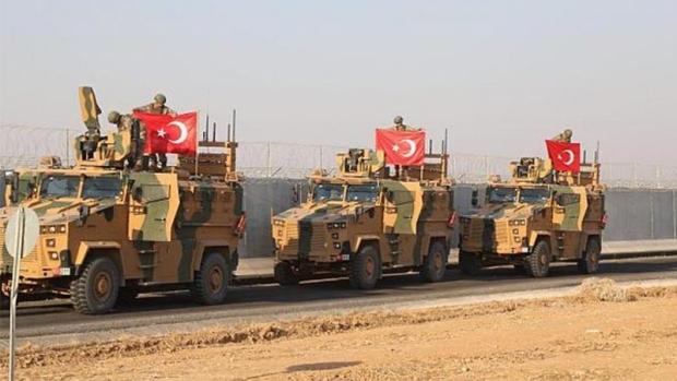 Urush yaqin: Turkiya Suriya chegarasiga yuzdan ortiq harbiy texnikani olib keldi (video)
