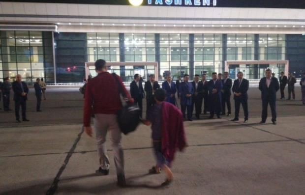 «Меҳр-2»: Ироқдан 64 бола Ўзбекистонга олиб келинди (фото)