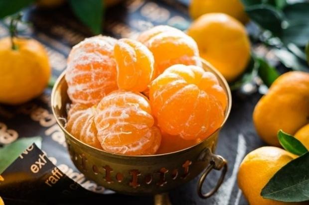 Кимларга мандарин ейиш тавсия этилмайди?