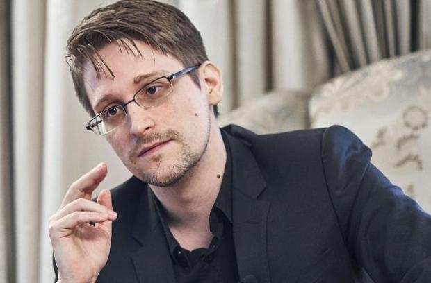 """Бу вахшийлик"": Сноуден Facebook ва Googleни танқид қилди"