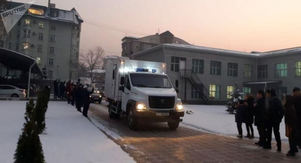 Almazbek Atamboyev sudga majburiy ravishda olib kelingani ma'lum qilindi