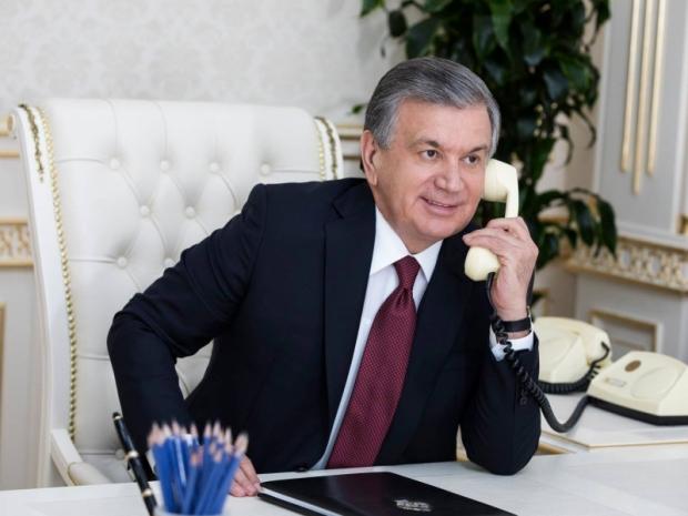 Шавкат Мирзиёев пользуется ли мобильным телефоном?