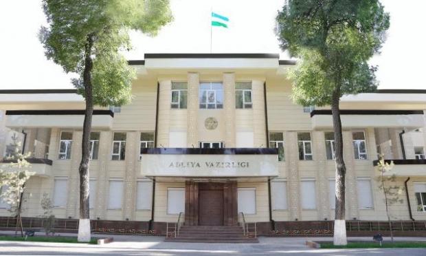 Adliya vazirligi: munosib maosh korrupsiyaga qarshi samarali vositadir