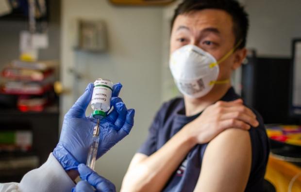 Koronavirusga qarshi vaksina qachon sinovdan o'tkazilishi ma'lum qilindi