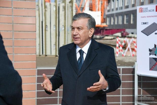 Президент Тошкент шаҳрида амалга оширилаётган лойиҳалар билан танишмоқда